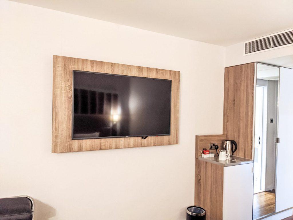 The flatscreen TV in the Holiday Inn Shepperton