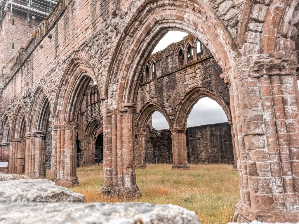 The arches of Sweetheart Abbey